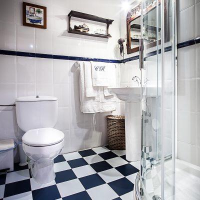 Baños con luz natural en todas las habitaciones