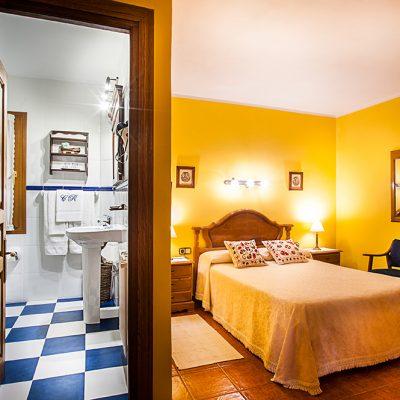Diseño personalizado en cada una de las habitaciones y sus cuartos de baño